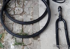 Bicicleta material váriado