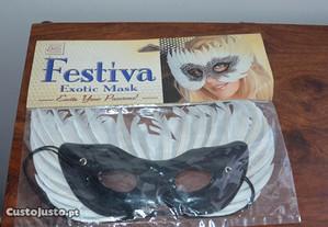 Bonita máscara exótica e sensual,c/penas reais