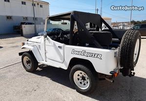 Toyota Land Cruiser Bj 40 - 81