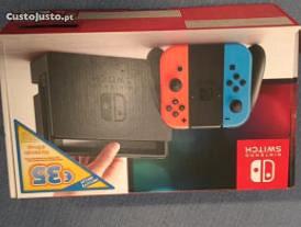 Nintendo switch vermelho e azul neon