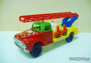 PE PE - carro de bombeiros
