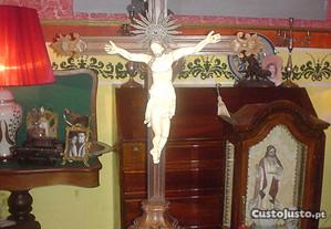 Crucifixo indo português-sec.17-pau santo-marfim