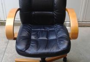 Cadeira de Executivo Usada