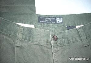 Calças Gap cor verde seco tamanho 42