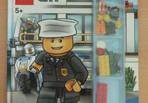 Livro Lego City - Police on alert! (livro inglês)