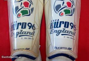 Um jogo de caneleira Euro 96- England