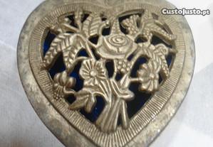 guarda joias pequeno antigo em metal