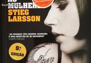 Os Homens Que Odeiam as Mulheres de Stieg Larsson