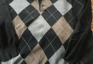 Pulôver em pura lã virgem (tamanho M)