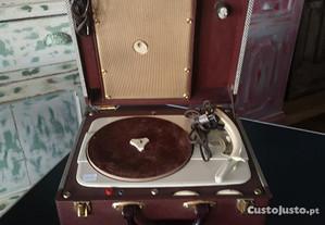 Gira-discos antigo de mala a funcionar