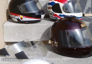 Rara coleção de capacetes vintage para vend troc
