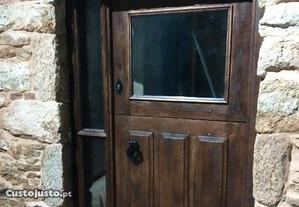Restauro de mobiliário e carpintaria