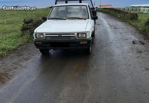 Toyota Hilux 2.4 - 92