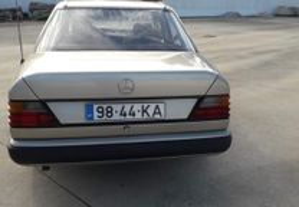 Mercedes-Benz 200 124