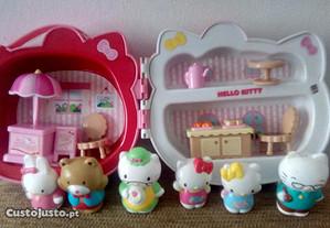 Hello Kitty Malinha com brinquedos