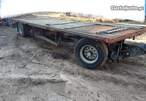 Reboque atrelado camião máquina agrícola