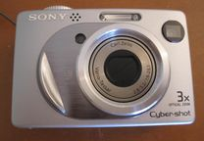 Sony Cyber-shot W1 com 5,1 MP efectivos Silver