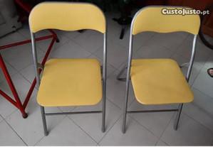 Cadeiras dobraveis
