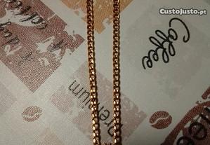 Fio em aço Dourado, com símbolos de Proteção