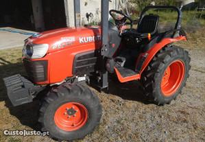 Trator Kubota B2530