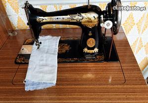 Maquina de costura Singer com movel
