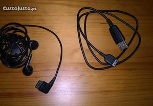 Auricular Samsung (novo) e cabo de dados USB