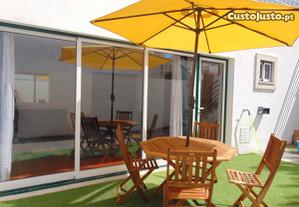 Casinha T2 na Nazaré com Quintal e Barbecue