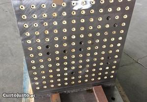 Esquadro de encosto de peças em Aço.