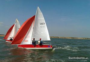 Barco a vela Laser Stratos CB + 2 atrelados
