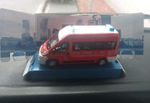 Miniaturas de carros de bombeiros..