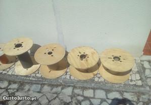 Bobines em madeira