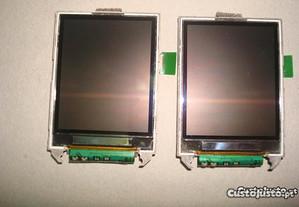 2 Displays Sonyericsson V800