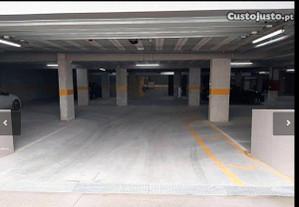 Lugar de garagem DUPLO junto Hospital São João, IPO