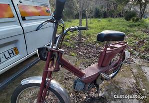 Moto peugeot 101 com pedal