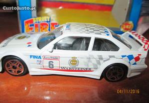 Miniatura BMW M3 DTM da Burago 1:43 - Na caixa ori