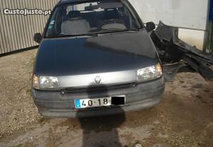 Renault clio gasolina para peças