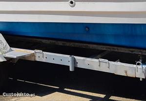 Atrelado para barco