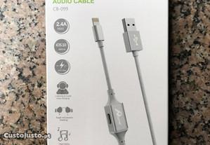 Cabo carregador lightning iPhone com entrada de auriculares