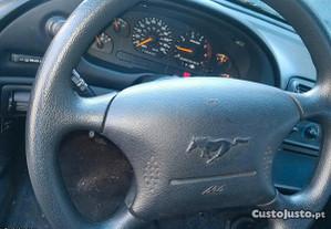 Ford Mustang 3.8 V 6