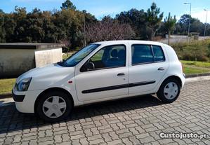 Renault Clio 1.2 - 01