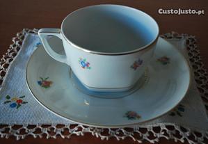 Chávena e Pires Porcelana Antigos Cerâmica Candal