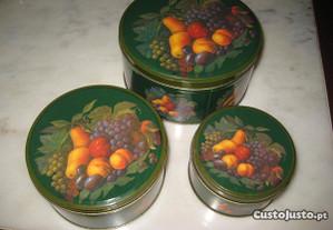 3 Caixas lata vintage matrioskas(nunca usadas)