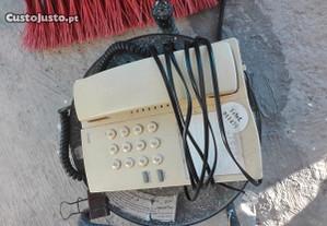 Vários telefones a funcionar em bom estado