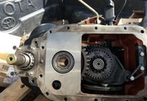 Trator-Caixa transferência Massey Ferguson 4270