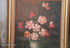 Quadro com motivo floral.Caixilho em madeira 77x90