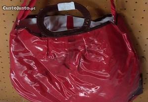 Mala /saco vermelha
